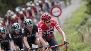 Doping: Froome si difende,curavo asma con dosi lecite
