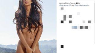 Emily Ratajkowski nuda come la Venere di Botticelli. Volano i clic su Instagram