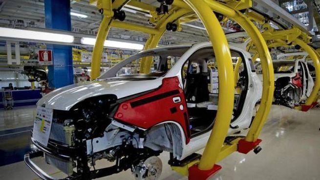 L'ecotassa vale per le auto comprate fino al 2021 (Ansa)