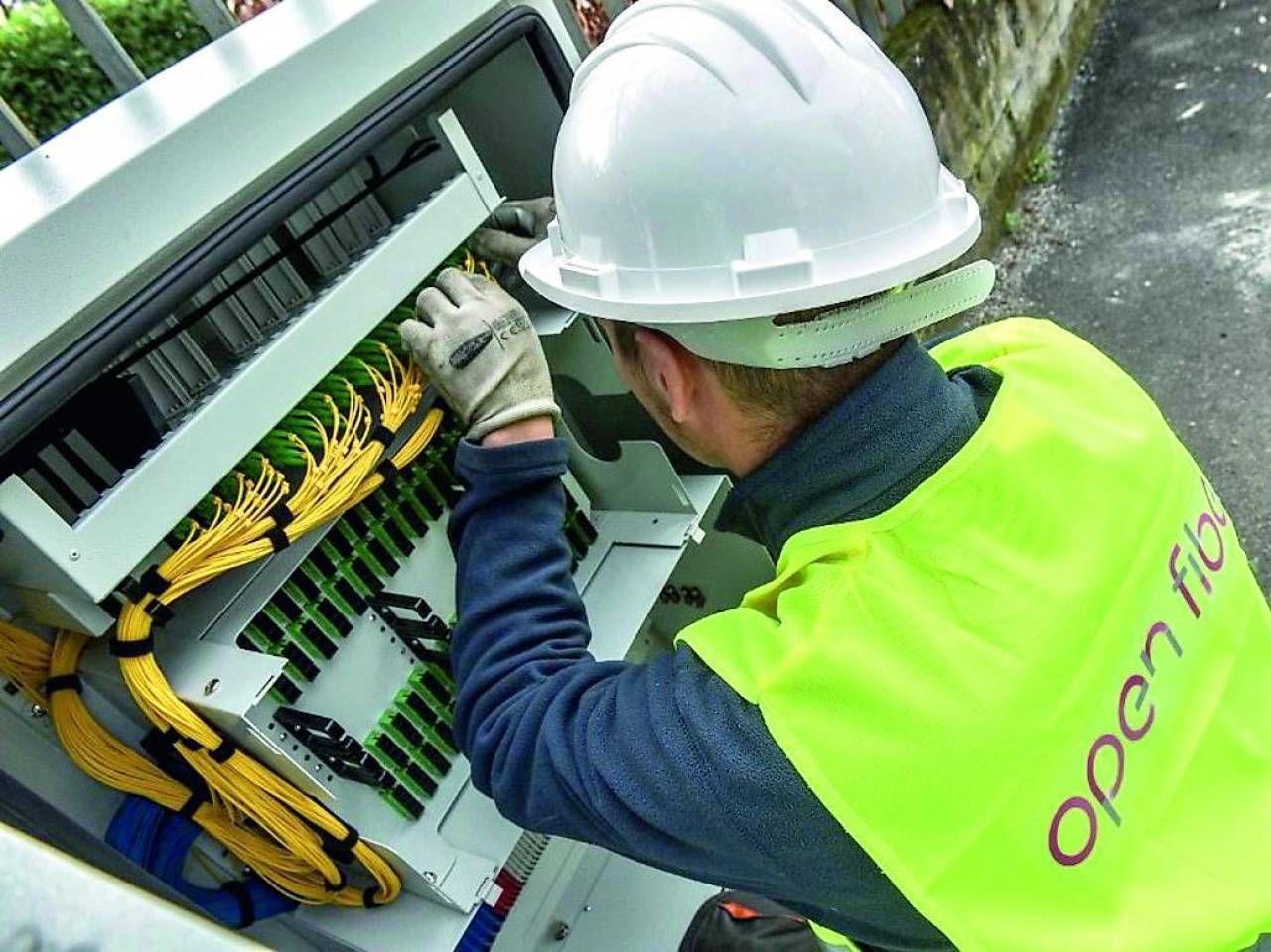 «Open Fiber fa correre l'Italia  Con la fibra cresce anche il Pil»