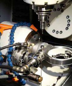 Macchina a controllo digitale per protesi