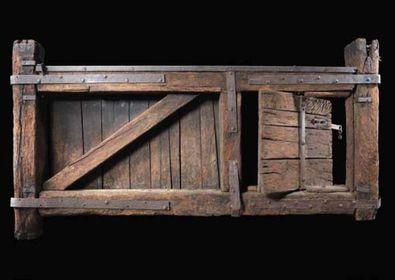 SAN MARCO - Portello in legno della famosa chiusa milanese