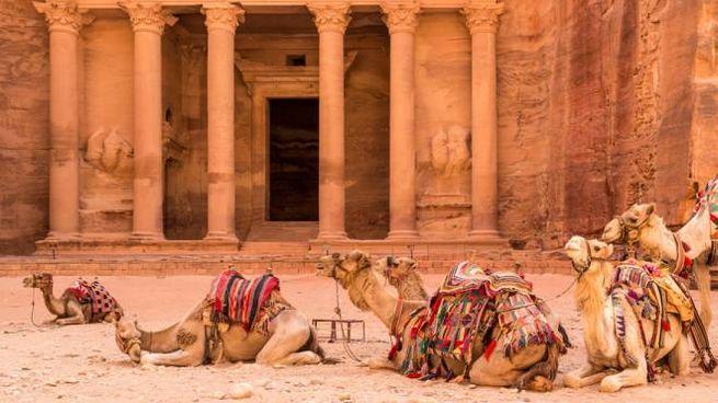 Il giro del mondo di Airbnb passa per Petra
