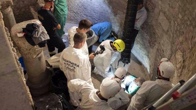 Caso Orlandi, le operazioni al cimitero Teutonico (Ansa / Vatican Media)