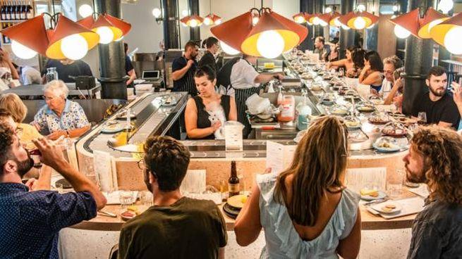 """Il ristorante di formaggi """"al nastro"""" - Foto: thecheesebar.com/seven-dials"""