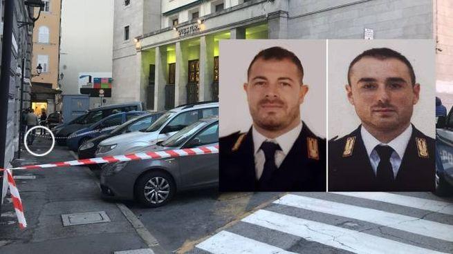 Pierluigi Rotta e Matteo Demenego, i due agenti uccisi. Nel tondo una pistola (Ansa)