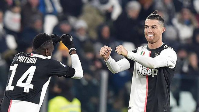 Cristiano Ronaldo in gol contro Il Parma (Ansa)