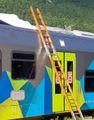Fa parkour sul tetto del treno  Salto fatale: 20enne perde la vita