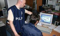 Cybergang da 20 milioni l'anno  Tredici arresti tra Italia e Romania