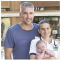 Mattia Maestri, 38 anni, con la moglie Valentina e la piccola Giulia di 4 mesi