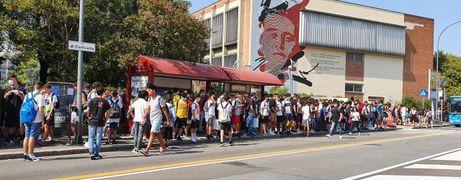 Scuola, la beffa degli autobus pieni di studenti