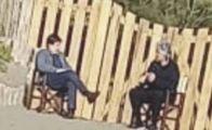 """Grillo e Conte, summit in spiaggia  """"Per loro i divieti non valgono?"""""""
