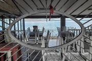 Un ristorante chiuso a Pasquetta (Ansa)
