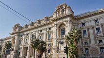 Sotto inchiesta per corruzione  Dirigente Miur tenta il suicidio