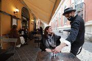"""""""Niente tasse sui dehors e più tavoli in strada""""  Il piano dei sindaci per aiutare i ristoranti"""