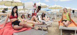Stessa spiaggia, si riparte  In Riviera sapore d'estate