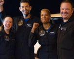 Ammarati nell'Atlantico  Sono tornati sulla Terra  i primi 4 turisti spaziali