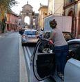 La Sardina va contromano  E il  video è un boomerang