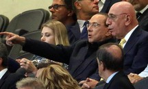 Berlusconi e Galliani in tribuna (foto repertorio)