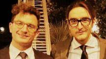 Marcello Cenci (a destra) in una bella immagine abbracciato con il fratello Giulio in un momento di felicità