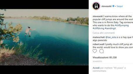 Il video postato da Steve Aoki in poco tempo ha fatto il giro del web