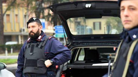Sul luogo della rapina sono intervenuti i carabinieri del Nucleo operativo e radiomobile della compagnia