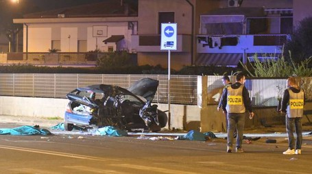 Incidente a Marina di Carrara (foto Delia)