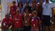 La squadra di nuotatori grossetani
