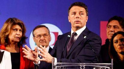 Renzi al convegno con gli Eurodeputati (foto Lapresse)