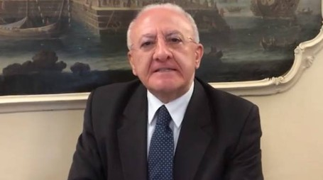 Vincenzo De Luca nel video su Facebook