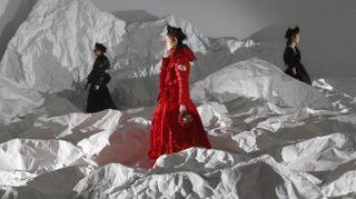 Moncler, sette stilisti per un brand. Passerella dal futuro