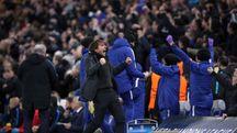 La carica di Conte dopo il gol del momentaneo 1 a 0 di Willlian