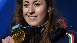 """Sofia Goggia sul podio: """"È d'oro, ed è per sempre"""""""