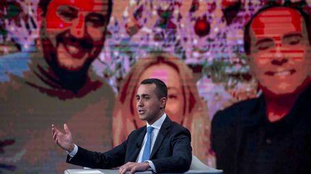 Luigi Di Maio, sullo sfondo Salvin, Berlusconi e Meloni (ImagoE)