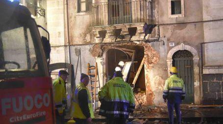 Forte esplosione a Catania, tre morti (Lapresse)