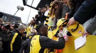 Calcio: Bolt show col Dortmund, due gol e anche un tunnel