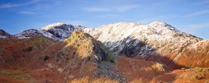 La montagna del Lake District che scala Sion Jair - foto fiftythreenorth istock