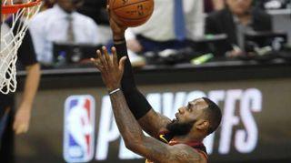 Basket: playoff Nba, Indiana rimonta e vince,ora 2-1 su Cavs