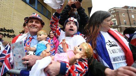 Kate Middleton, fan assiepati in attesa del Royal Baby 3 (Ansa)