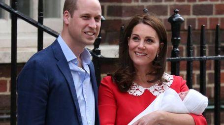 Royal Baby 3, le prime foto con mamma e papà (LaPresse)
