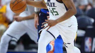Basket: playoff Nba, Houston e Utah vicini a qualificazione