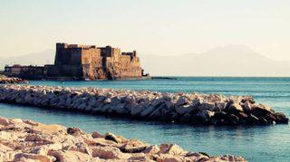 Napoli: vita, cultura, cibo e storia sotto il Vesuvio