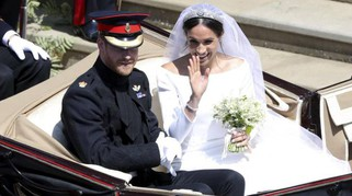 Matrimonio Harry e Meghan, bagno di folla in carrozza