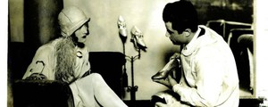 Joan Crawford nell'Hollywood Boot Shop con Salvatore Ferragamo