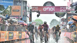 Giro d'Italia 2018, a Iseo poker di Viviani