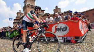 Giro: Aru si ritira dopo 41 km della 19/a tappa
