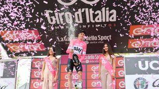 Giro d'Italia 2018, il 'tappone' rivoluziona la cassifica. Froome in rosa
