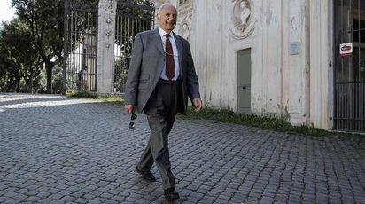 Paolo Savona, Lega e M5s lo vogliono all'Economia (Ansa)