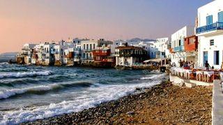 Mykonos, la leggenda dell'Egeo e il divertimento