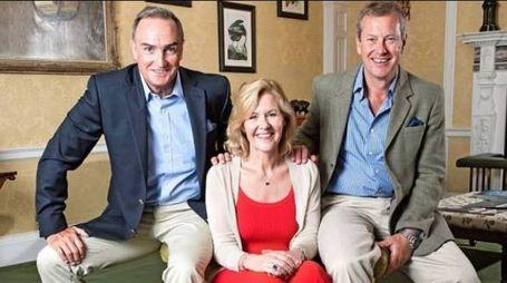 Lord Ivar Mountbatten con l'ex moglie Penny Thompson e il compagno James Coyle